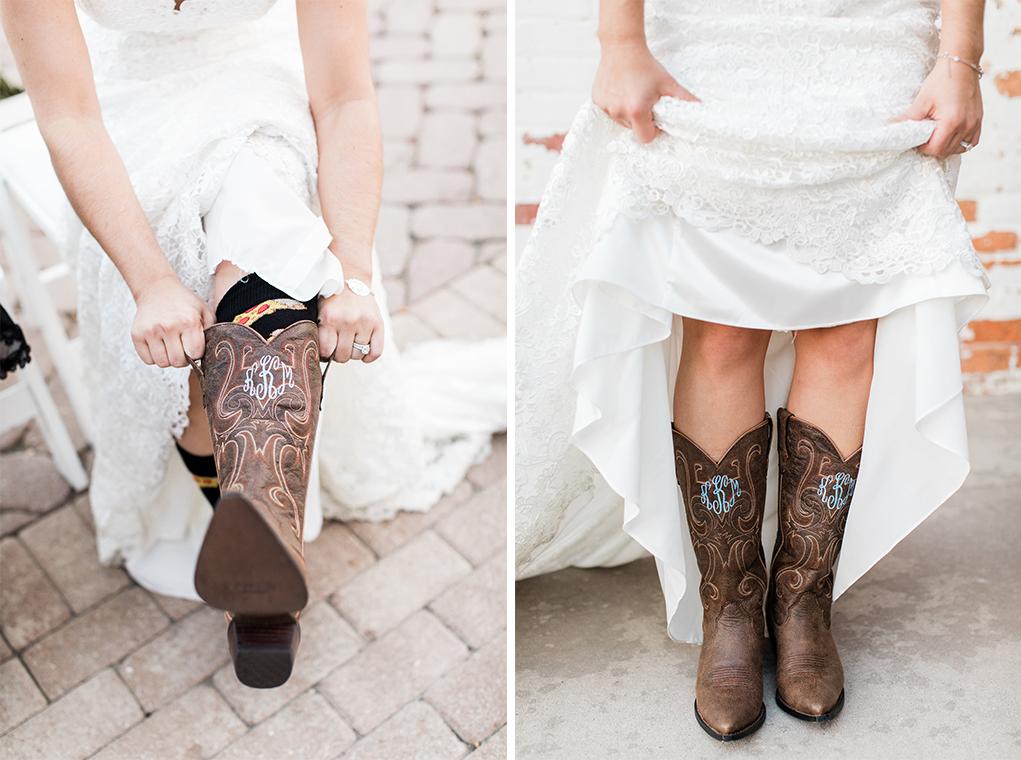 apt-b-photography-Savannah-wedding-photographer-savannah-engagement-photographer-historic-savannah-engagement-charles-h-morris-center-wedding-savannah-weddings-223.jpg
