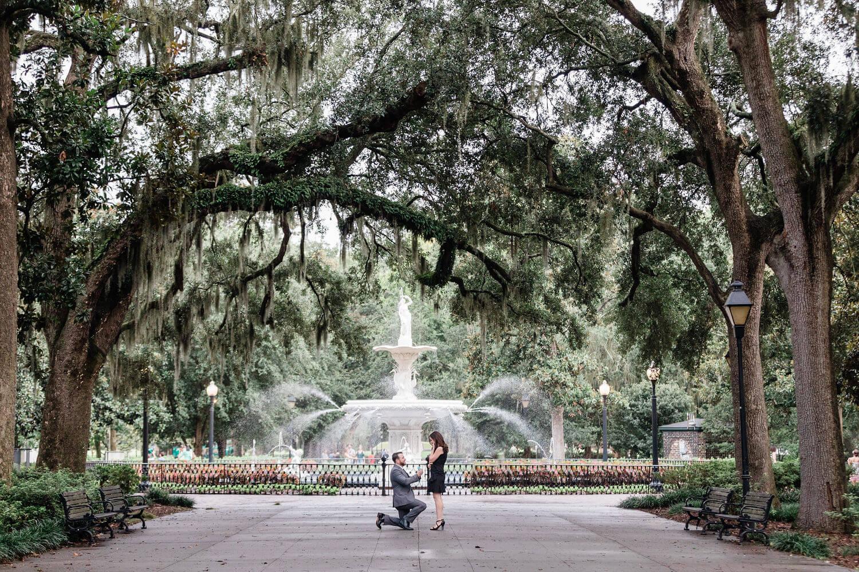 Apt-b-photography-savannah-proposal-photographer-savannah-wedding-forsyth-fountain-proposal-11.jpg
