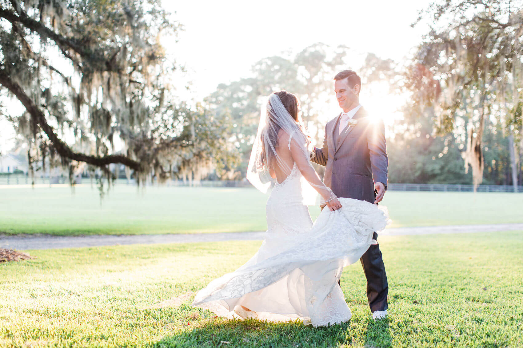 Apt-b-photography-savannah-wedding-photographer-savannah-wedding-hilton-head-wedding-photographer-17.jpg