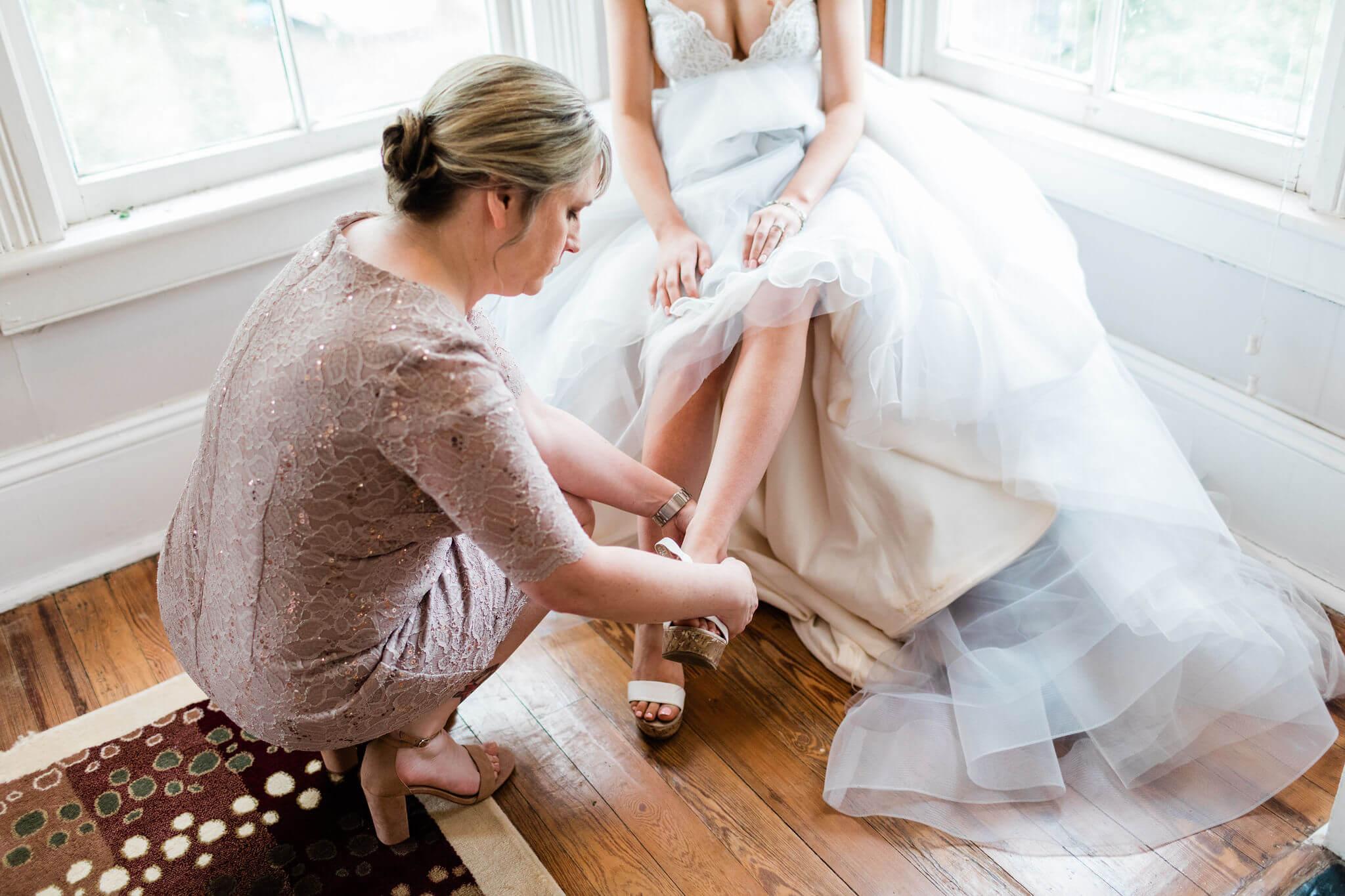 Apt-b-photography-savannah-wedding-photographer-savannah-wedding-hayley-paige-wedding-dress-intimate-wedding-photographer-27.JPG