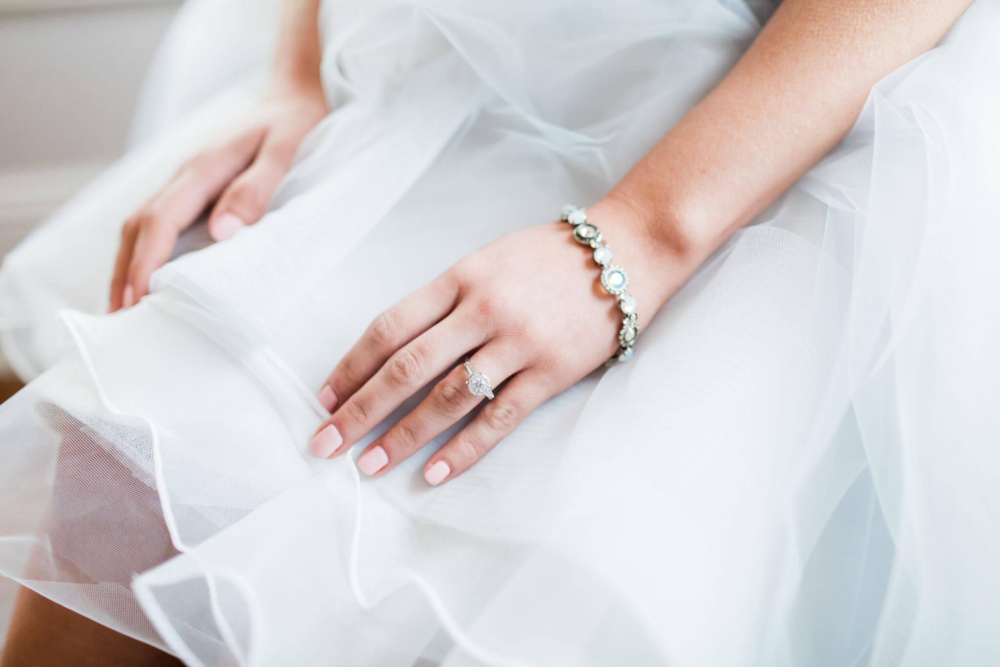 Apt-b-photography-savannah-wedding-photographer-savannah-wedding-hayley-paige-wedding-dress-intimate-wedding-photographer-28.JPG