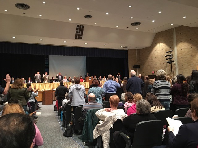 Townhall in Shrewsbury ended with a standing vote, with opponents of the pipeline being heard loud and clear.