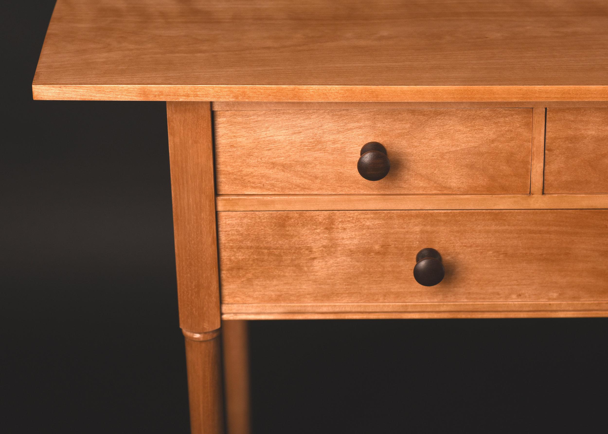 Shaker_Table_03-Detail1.jpg