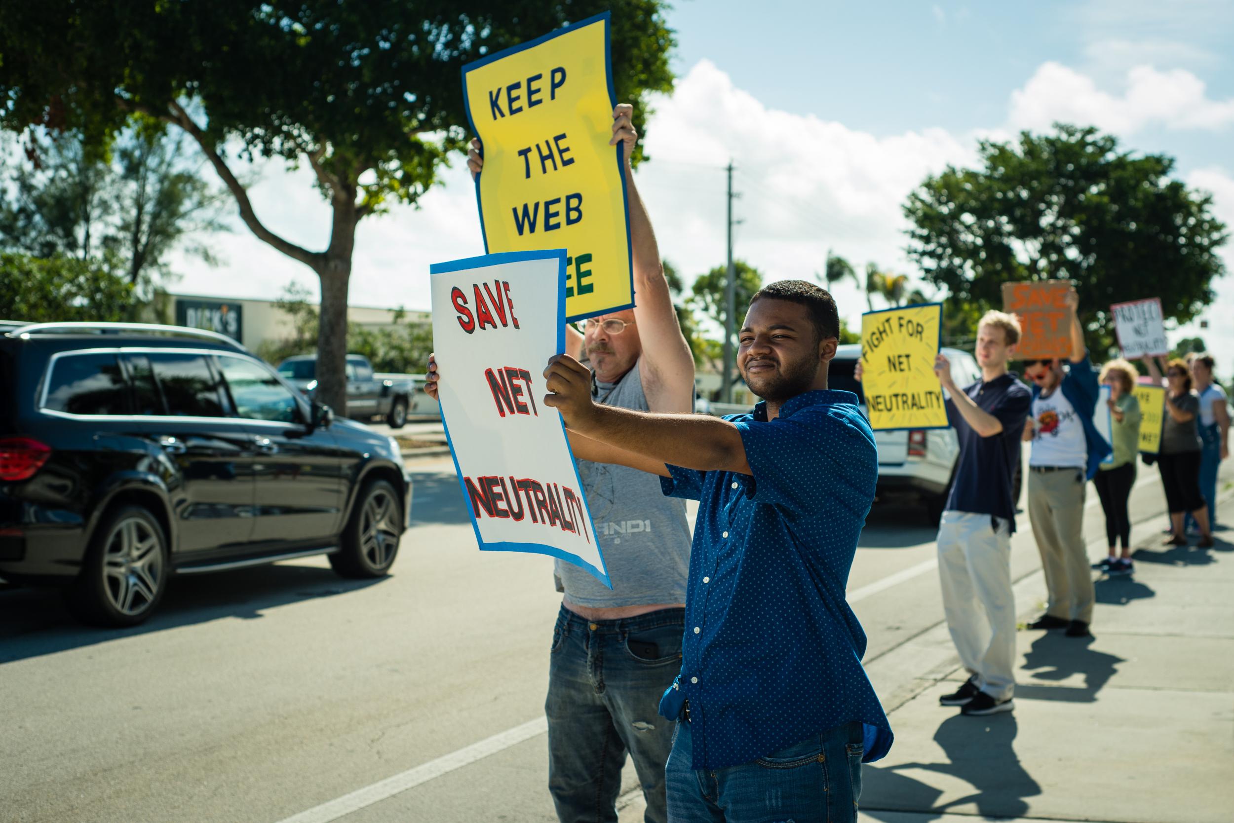 Team Internet Free Press Verizon Day of Action