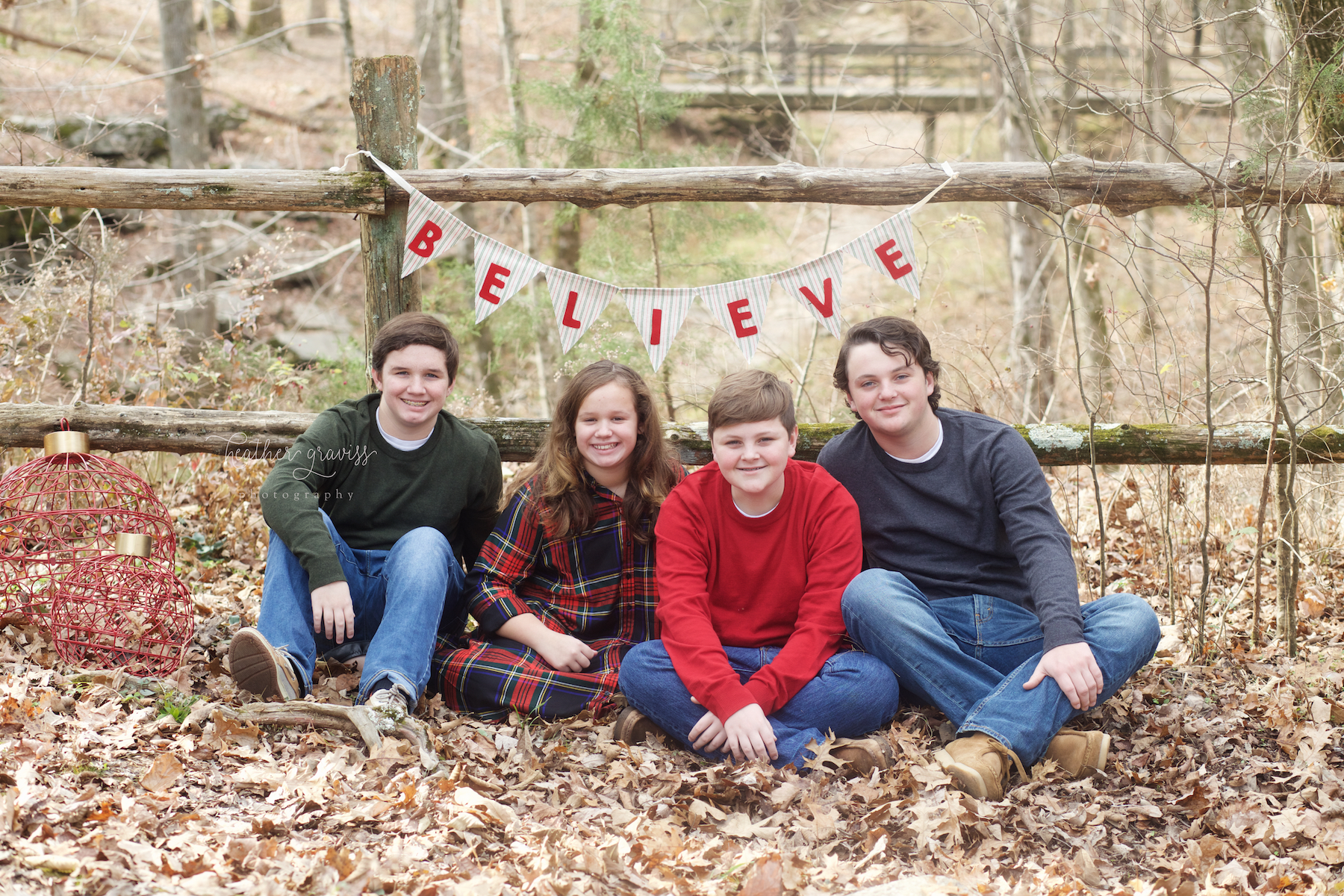 brothers-and-sisters-at-christmas.jpg