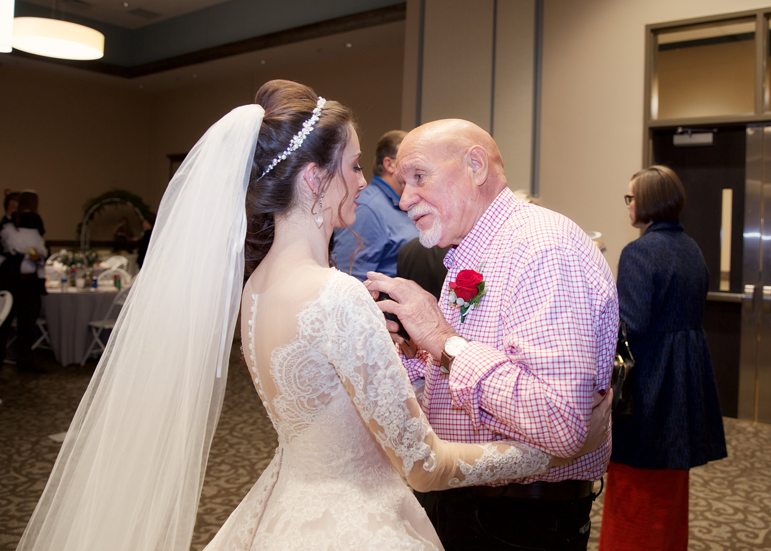 42-bride-and-grandpa.jpg