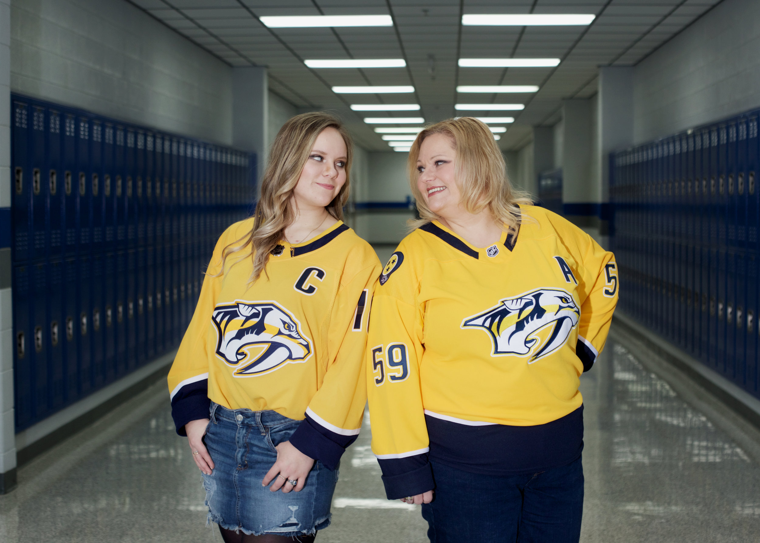 mom-and-daughter-preds-jerseys.jpg