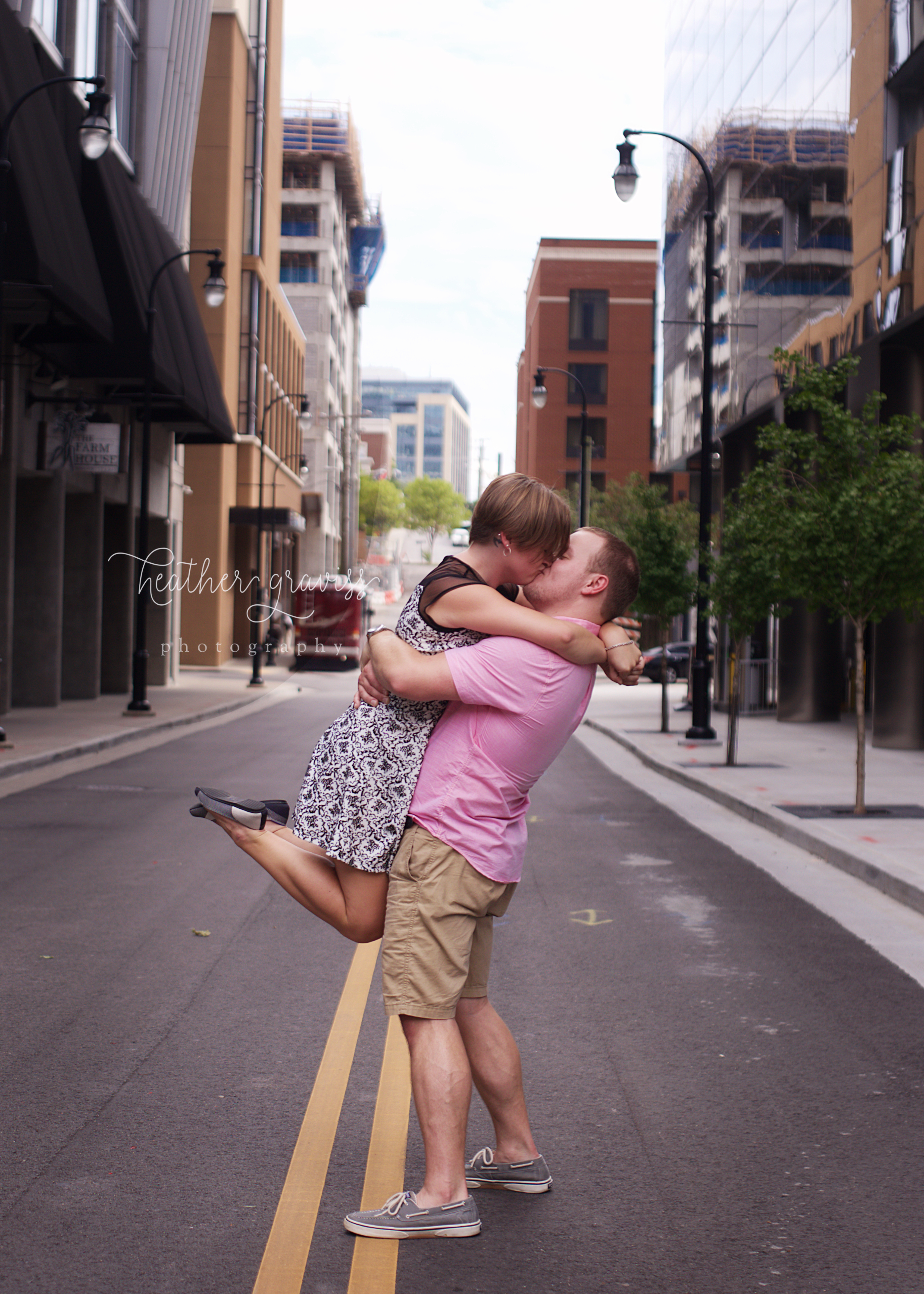 middle-of-the-street-kiss.jpg