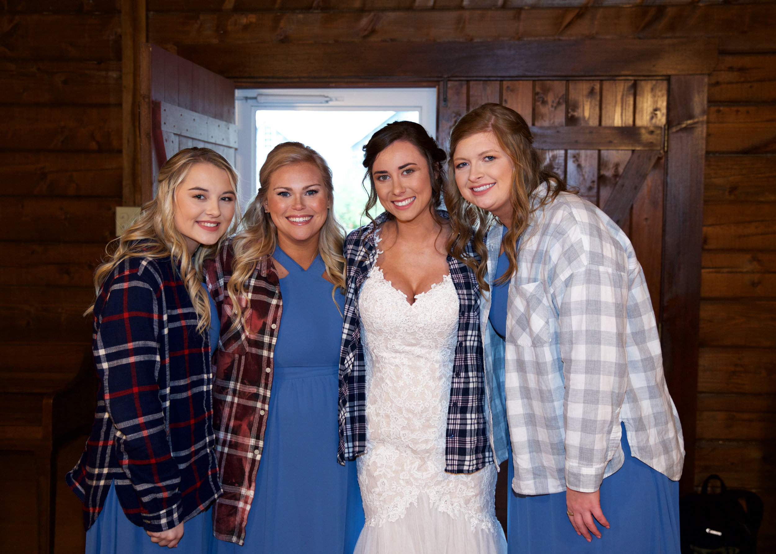 20bridesmaids-in-flannel.jpg