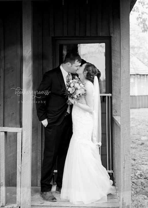 30loving-the-kissing-pictures.jpg