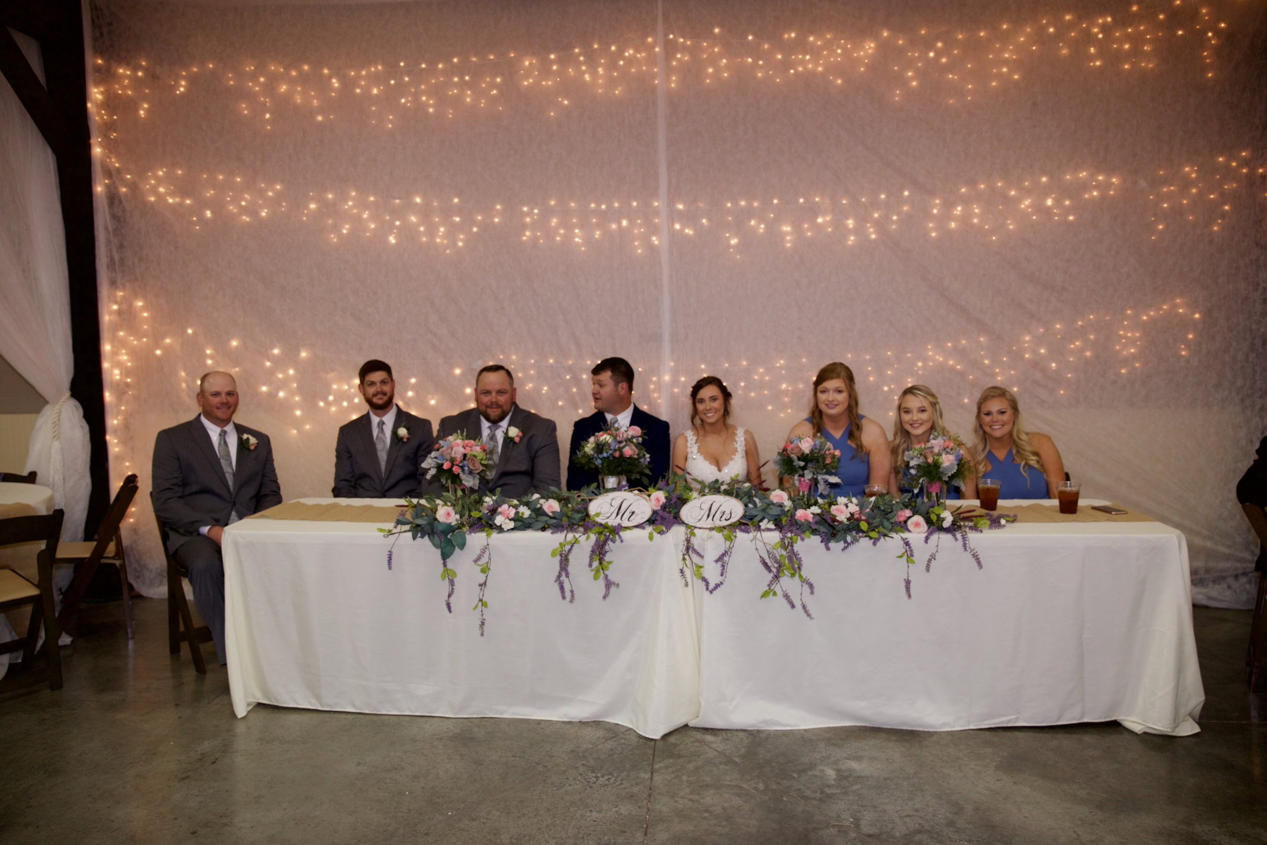 41table-of-wedding-party.jpg