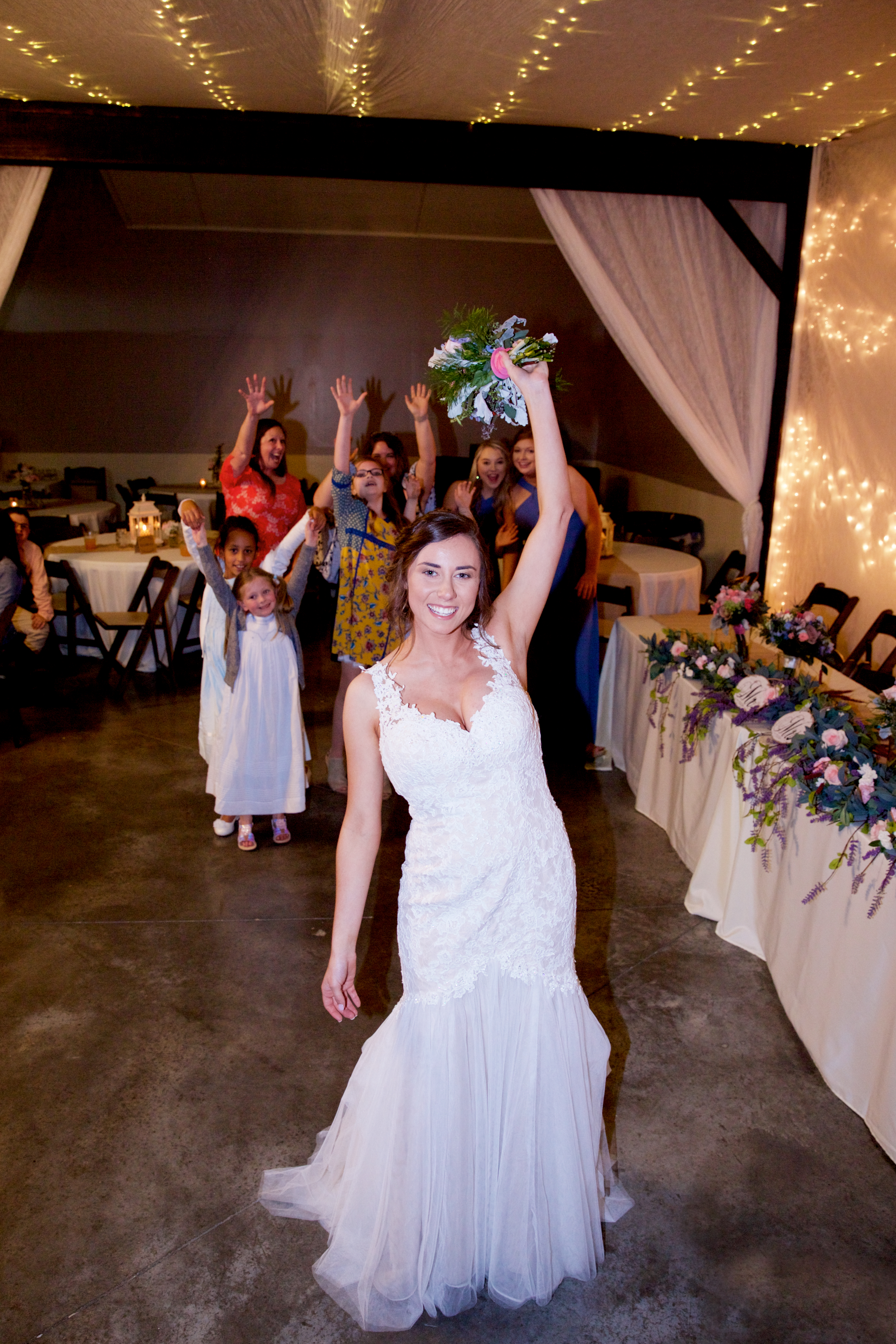 54bouquet-toss.jpg