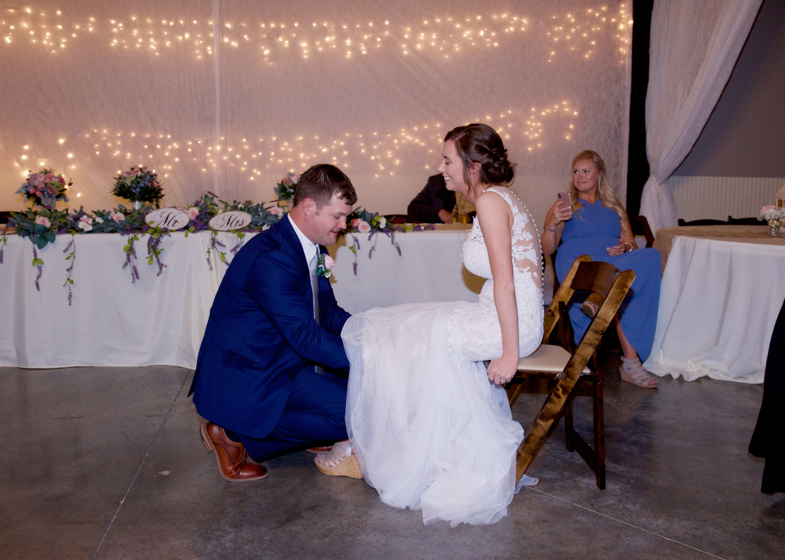 55getting-the-garter.jpg