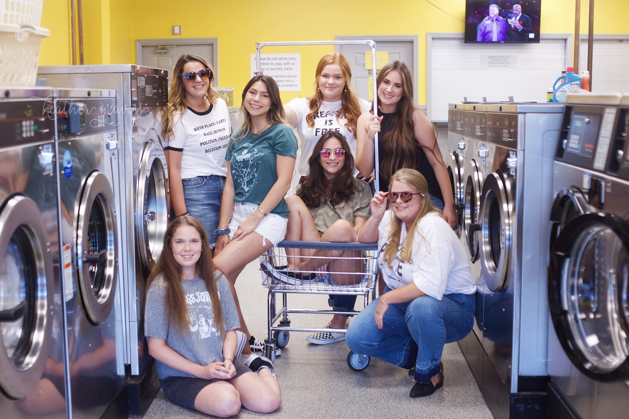 cool-girls-at-laundromat.jpg