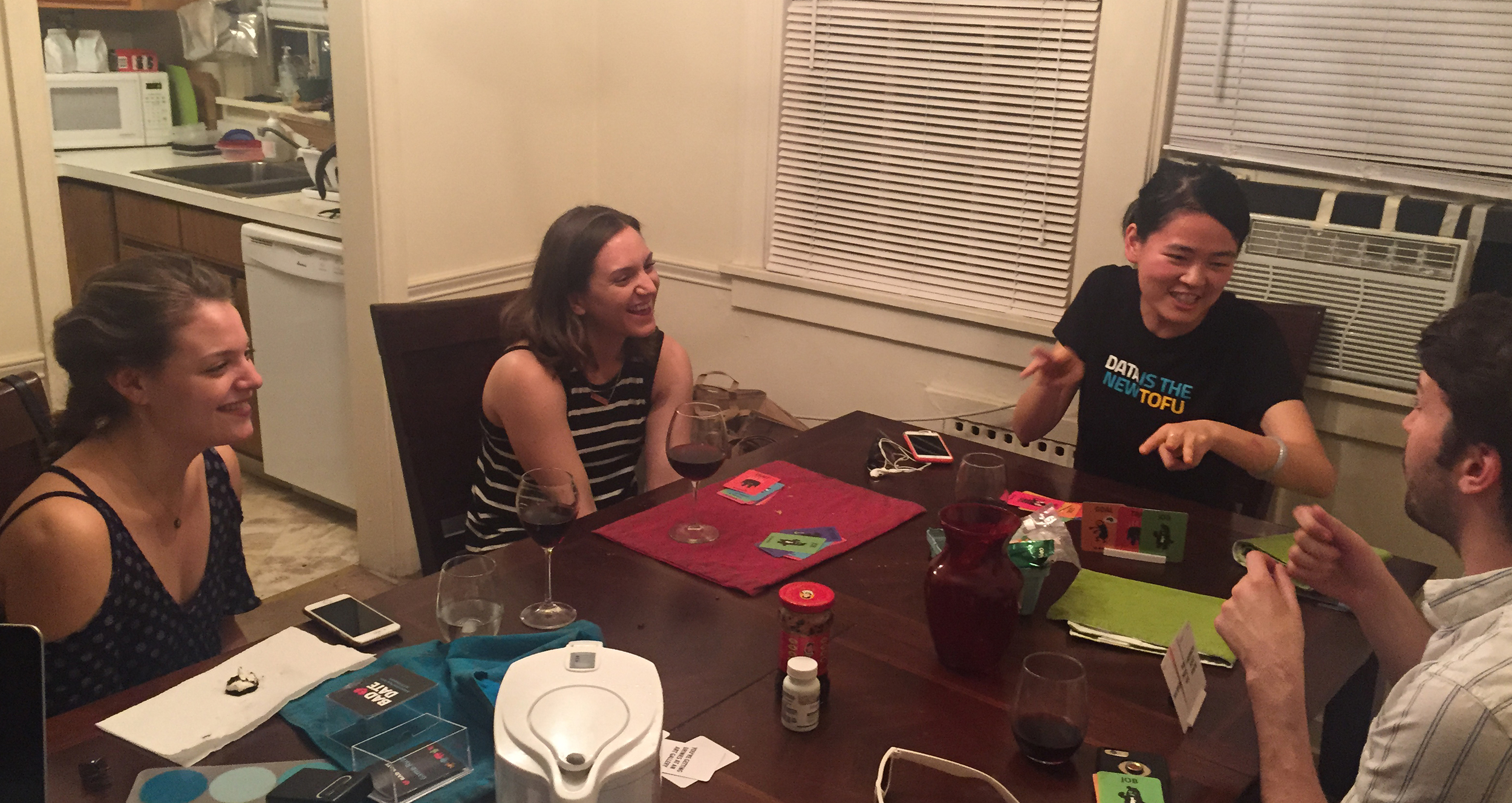 BAD DATE - A pocket-sized, improv-style party game