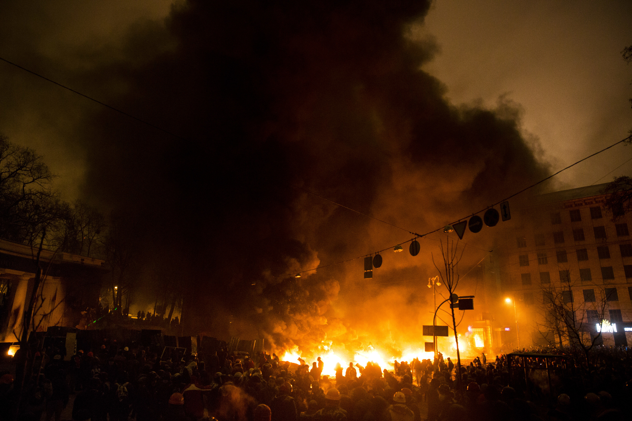 Protesters lit up the barricades on Hrushevskogo street in Kiev