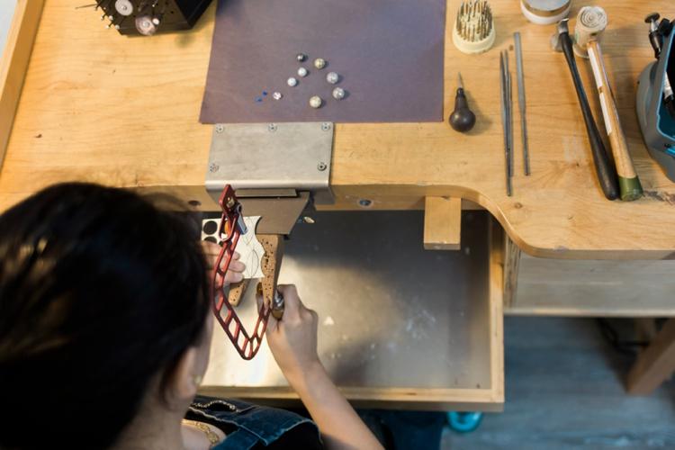 baiyang-qiu-jewelers-portrait-lilouette-03.jpg
