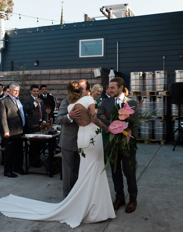 temescal-brewing-oakland-wedding-photography-lilouette-059.jpg