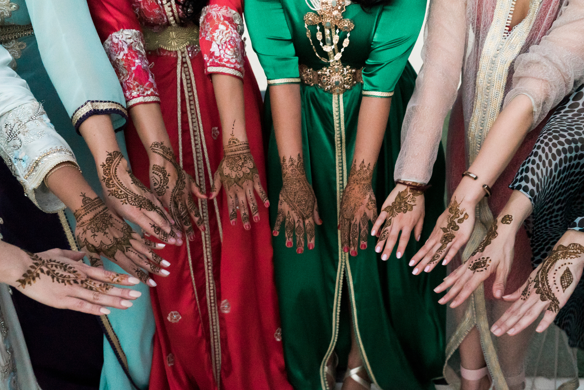 morocco-destination-wedding-henna-ceremony-lilouette-22.jpg
