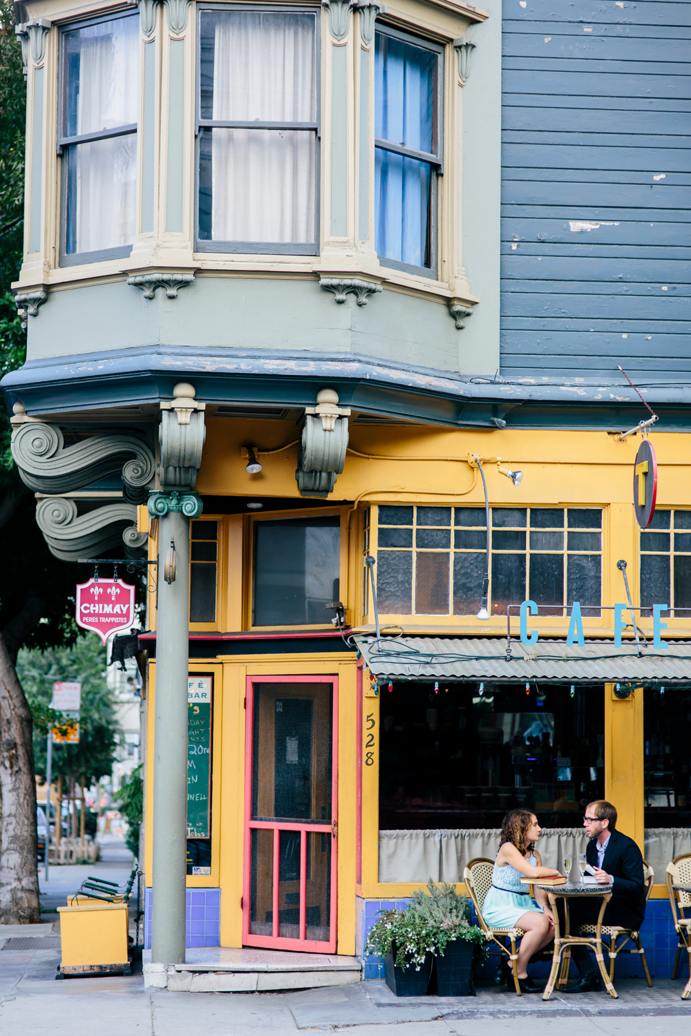 hayes-valley-alamo-square-sf-engagement-photography-lilouette-01.jpg