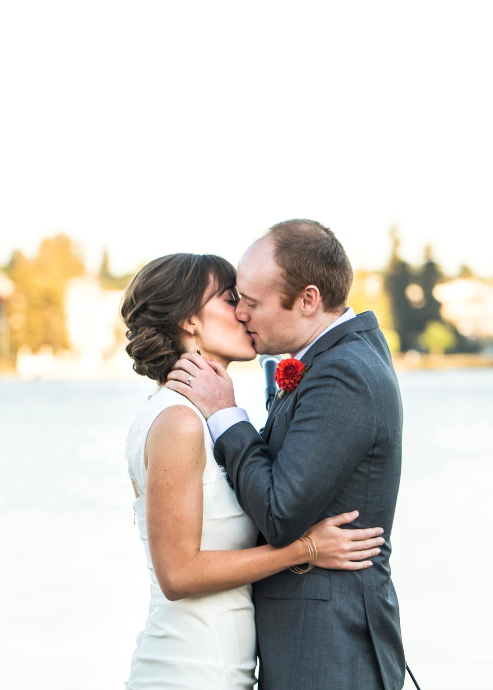 lake-chalet-oakland-wedding-lilouette-55.jpg