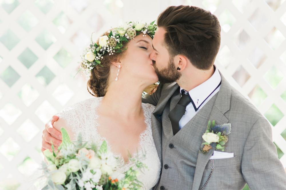 aptos-village-park-wedding-photography-lilouette-55.jpg