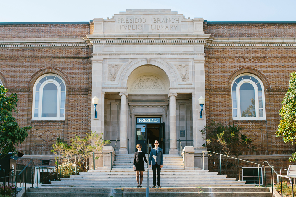san-francisco-presidio-library-engagement-photography-lilouette-01.jpg