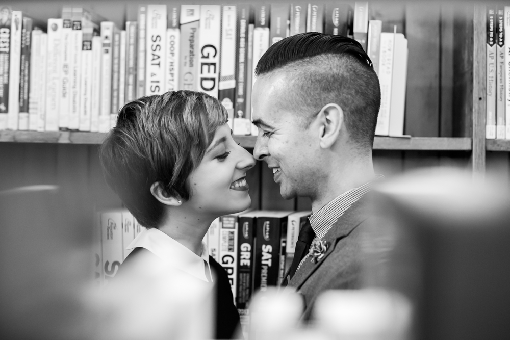 san-francisco-presidio-library-engagement-photography-lilouette-05.jpg