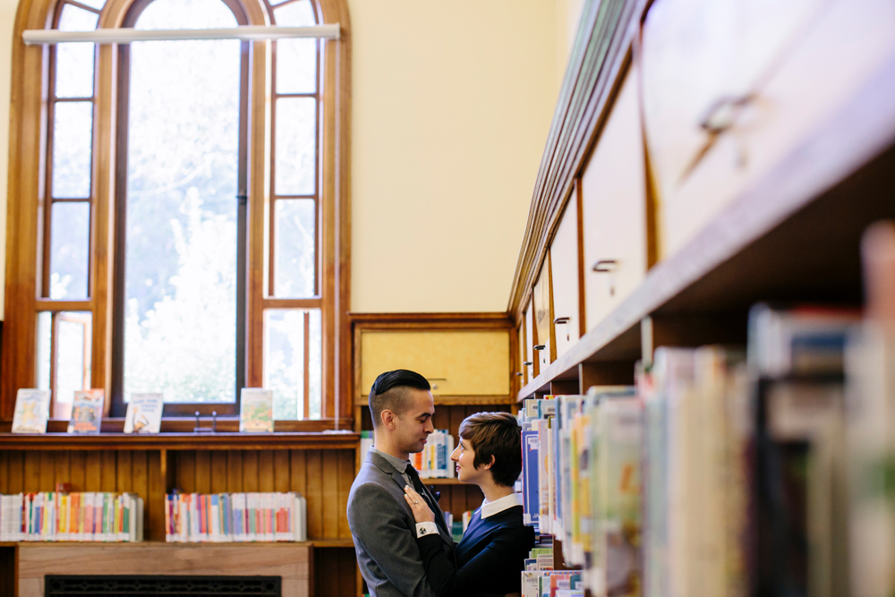 san-francisco-presidio-library-engagement-photography-lilouette-12.jpg