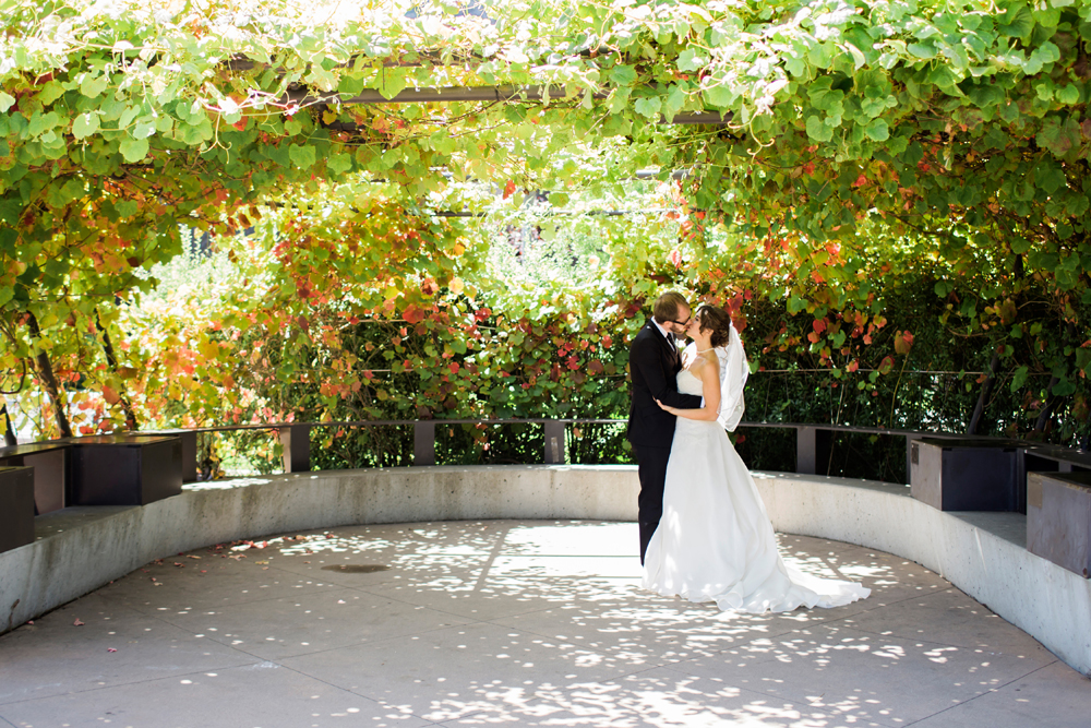 shakespeare-garden-potrero-hill-neighborhood-house-wedding-photography-lilouette-32.jpg