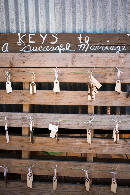 backyard-novato-wedding-photography-lilouette-64.jpg