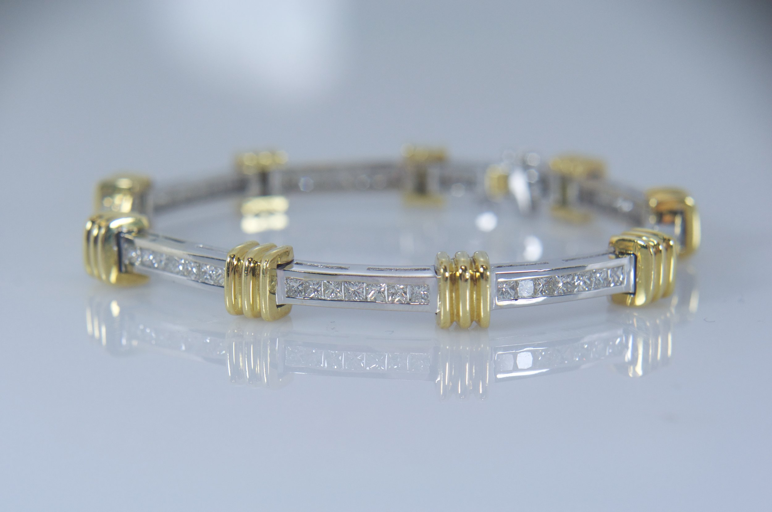 Two-tone diamond tennis bracelet