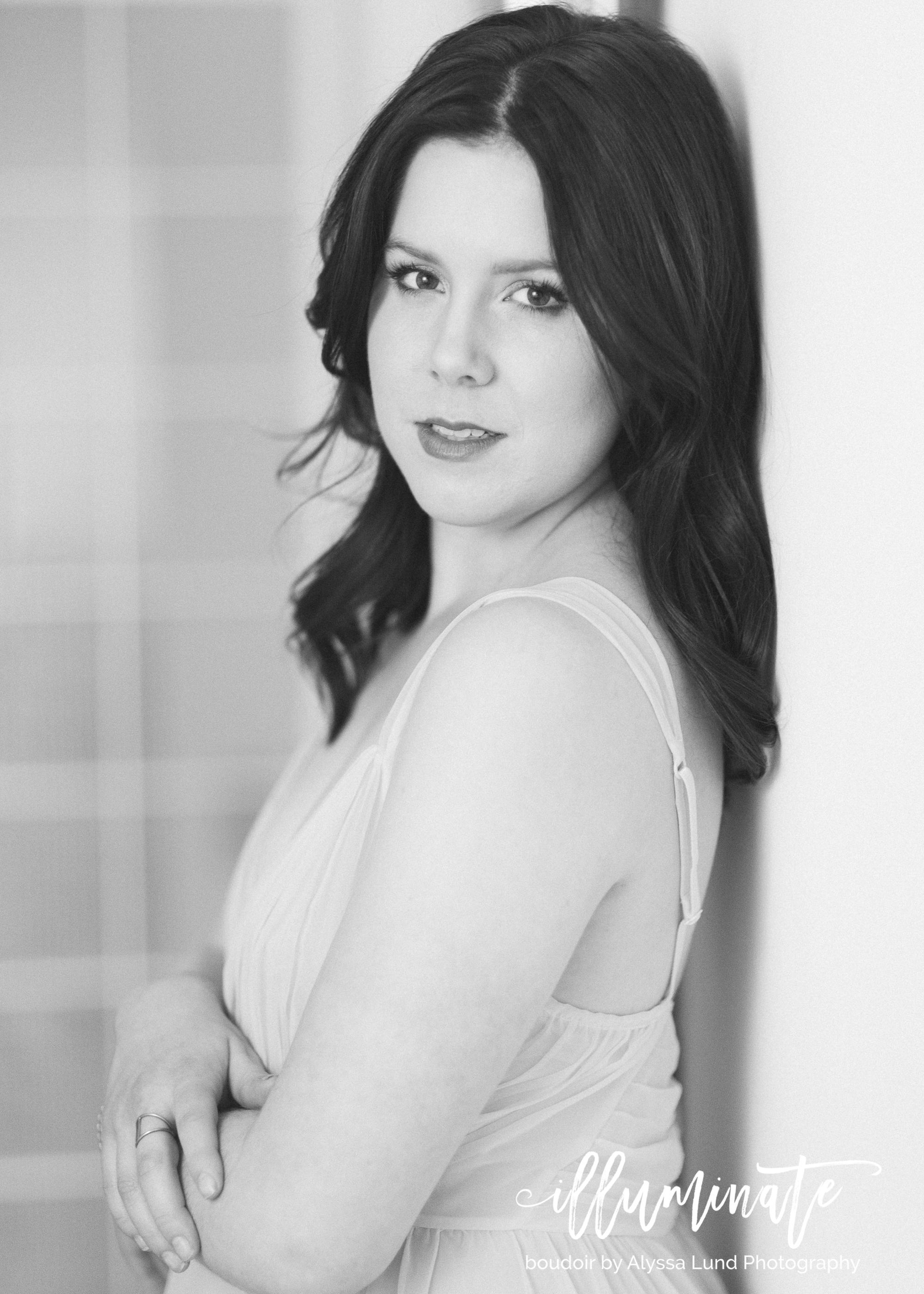 Minneapolis-Boudoir-Photographer-Romantic-Portrait-2.jpg