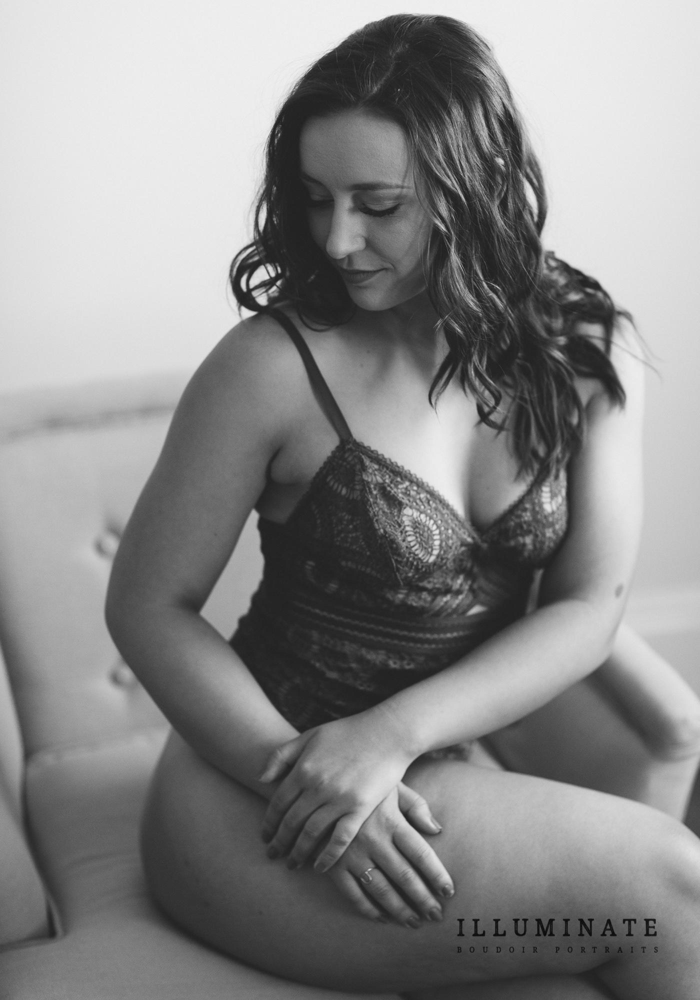 yoga teacher boudoir portraits-13.jpg