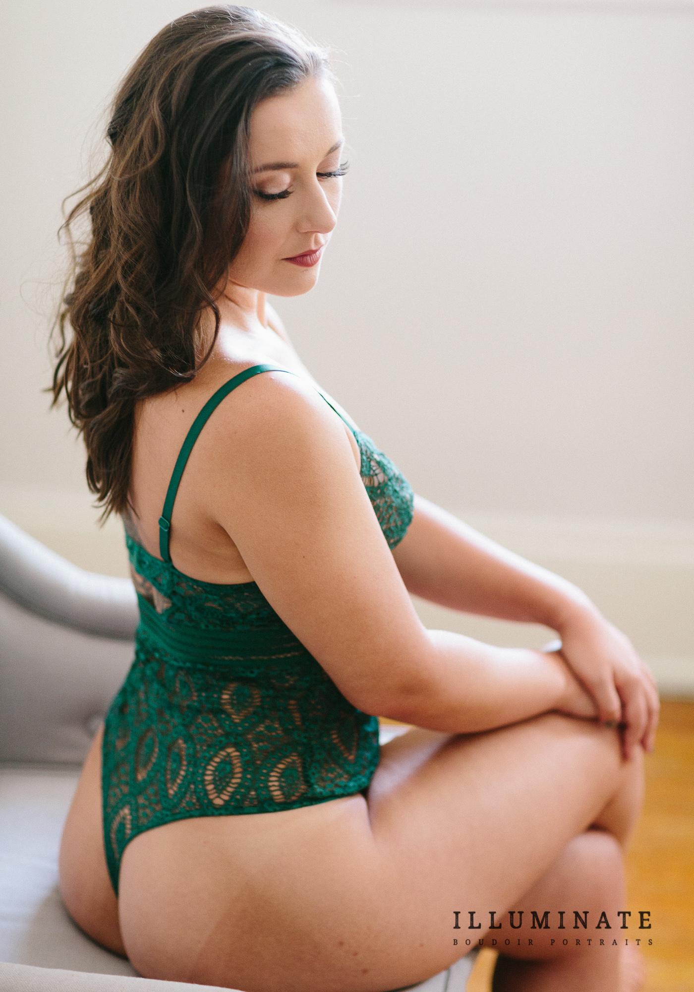 yoga teacher boudoir portraits-14.jpg