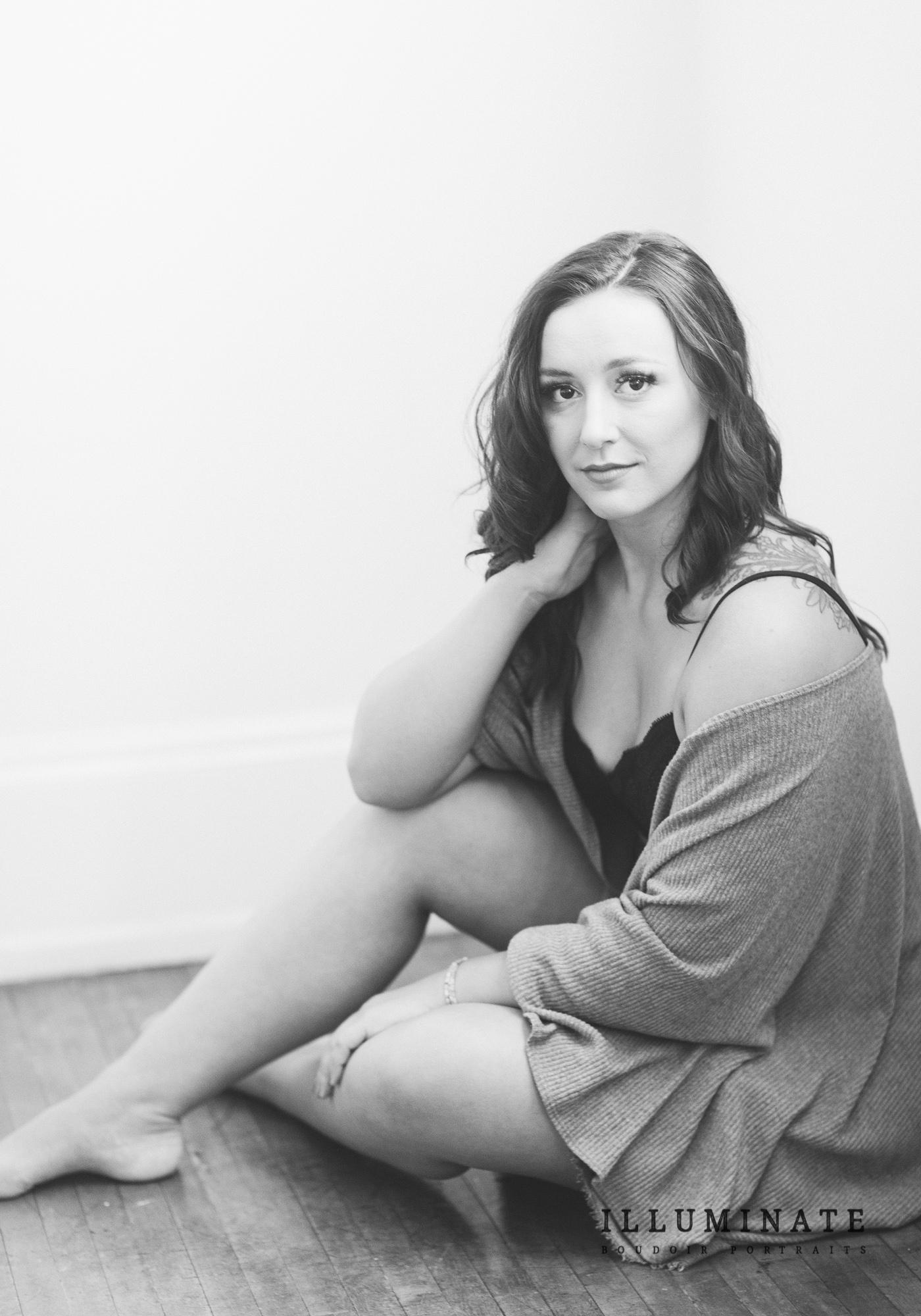 yoga teacher boudoir portraits-02.jpg