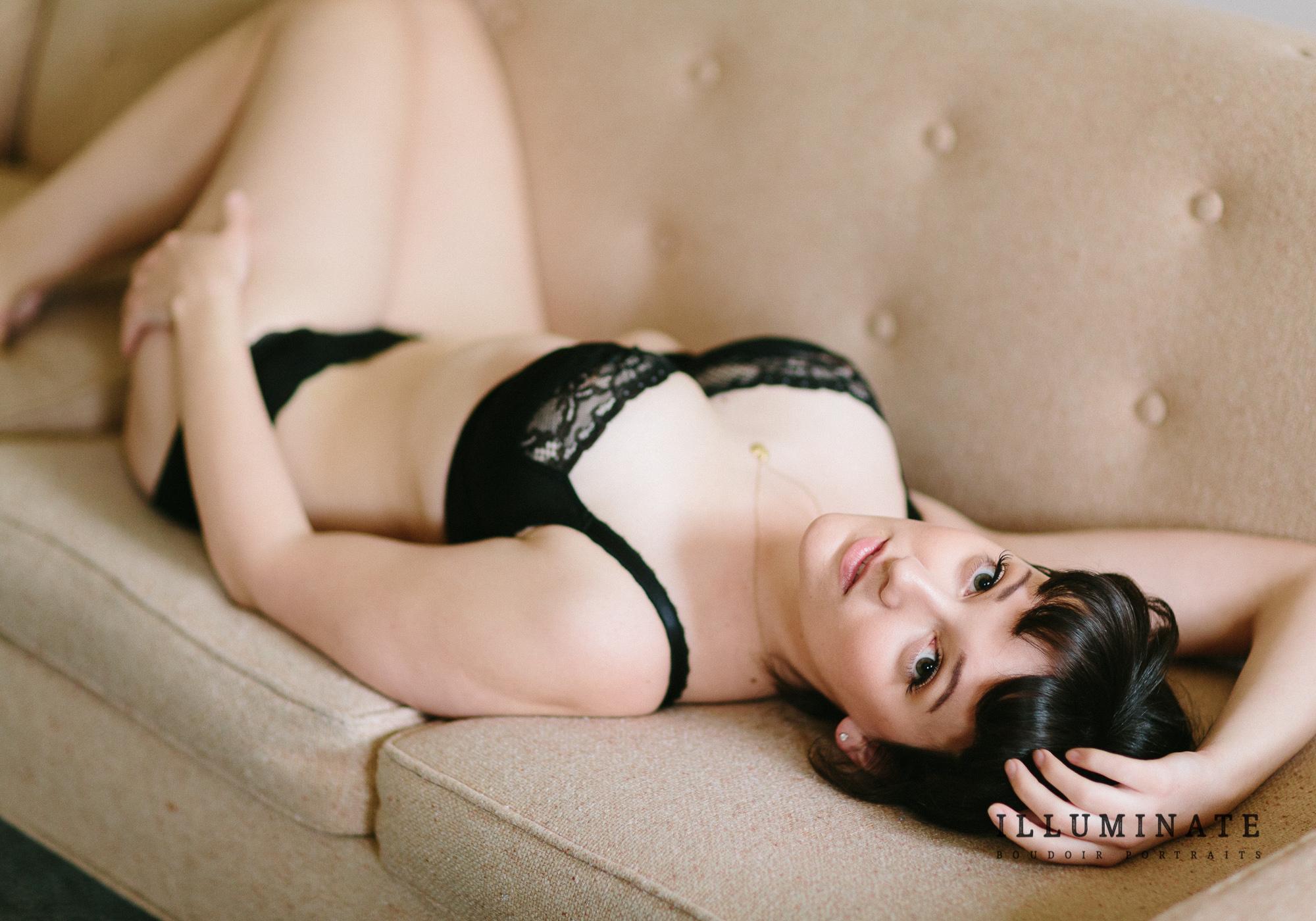 Rachel boudoir-11.jpg