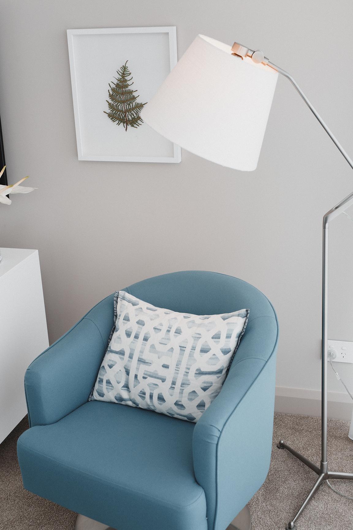 Kirsten Ford Design-Ocean Edge Apartment-Living Room-7