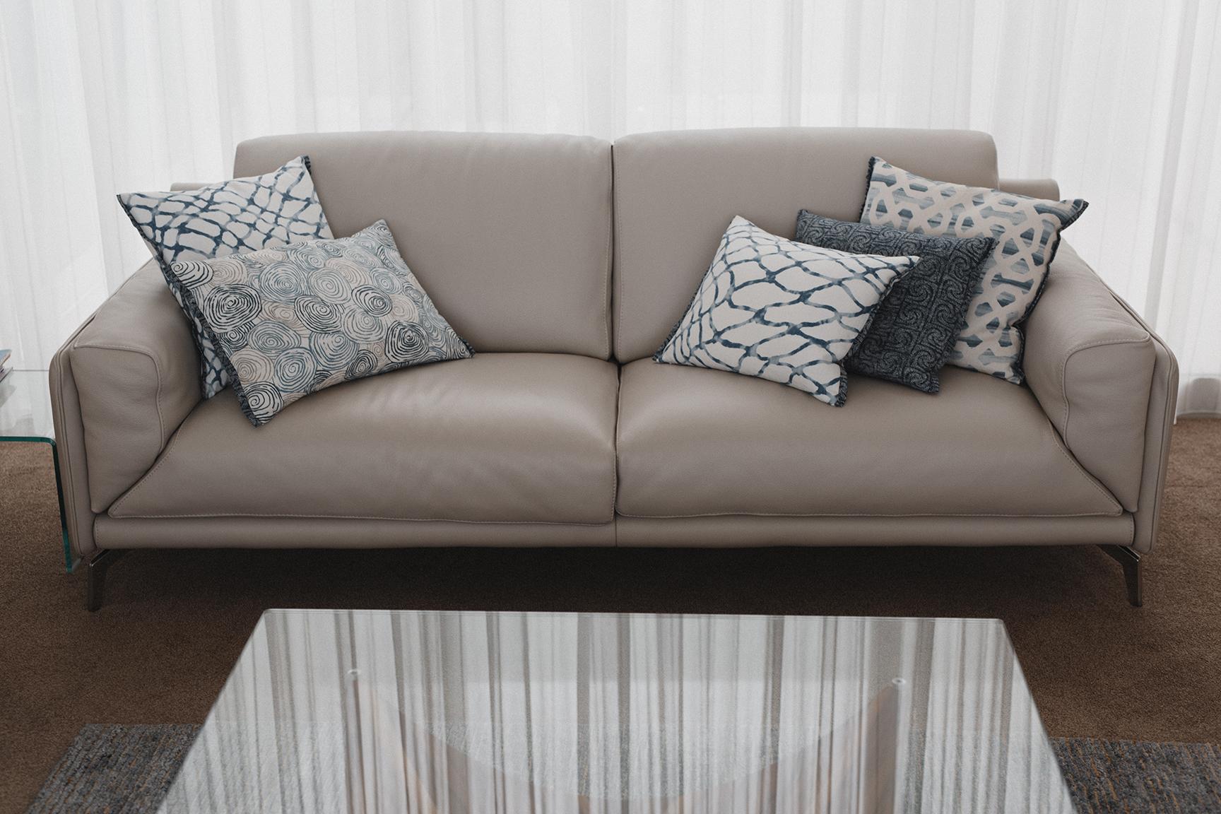 Kirsten Ford Design-Ocean Edge Apartment-Living Room-10