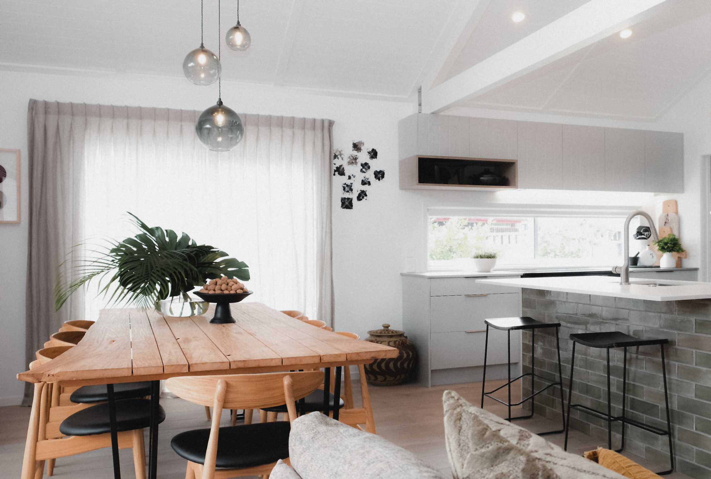 Kirsten Ford Design-Beachside Style Dining Room 1