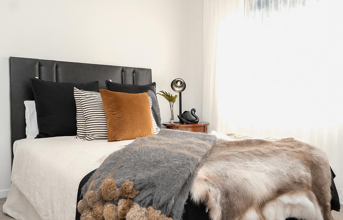 Kirsten Ford Design-Heirloom Inspired bedroom 4.jpg