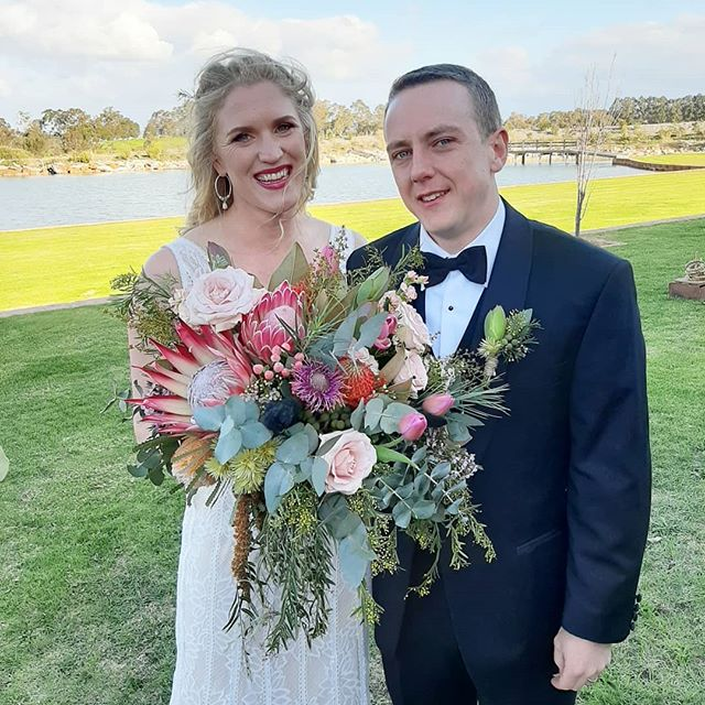 Congrats to our dear friends for getting hitched this weekend! It was a pleasure making this big and wild bouquet full of all of Char's favourite flowers and foliages 💪🌿 #thewildstem #thewildstemweddings