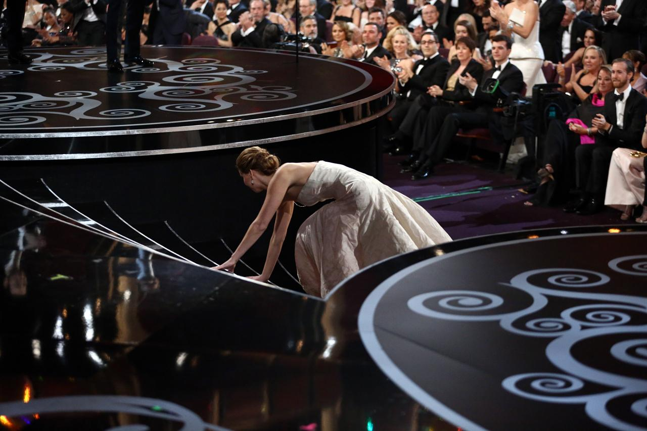 She won. And then she fell. Coincidence? We discuss. (courtesy AMPAS)