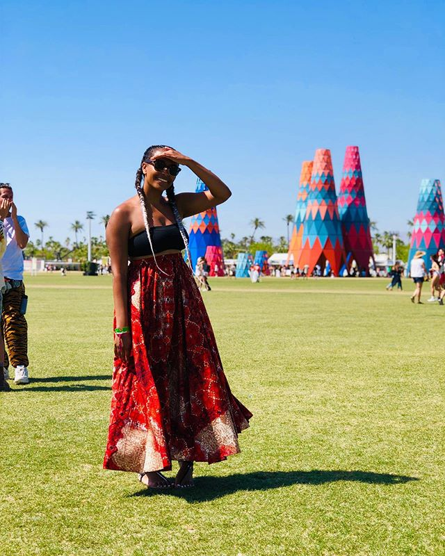"Coachella left me sun burnt, exhausted and with some very happy memories. ⭐️ Swipe to see my festival twirl versus my ""On Mondays I present research"" twirl 📚 . . . . #coachella #jobsbyjoce #gradschoolproblems #ig #sundayservice #kanyewest #choir"
