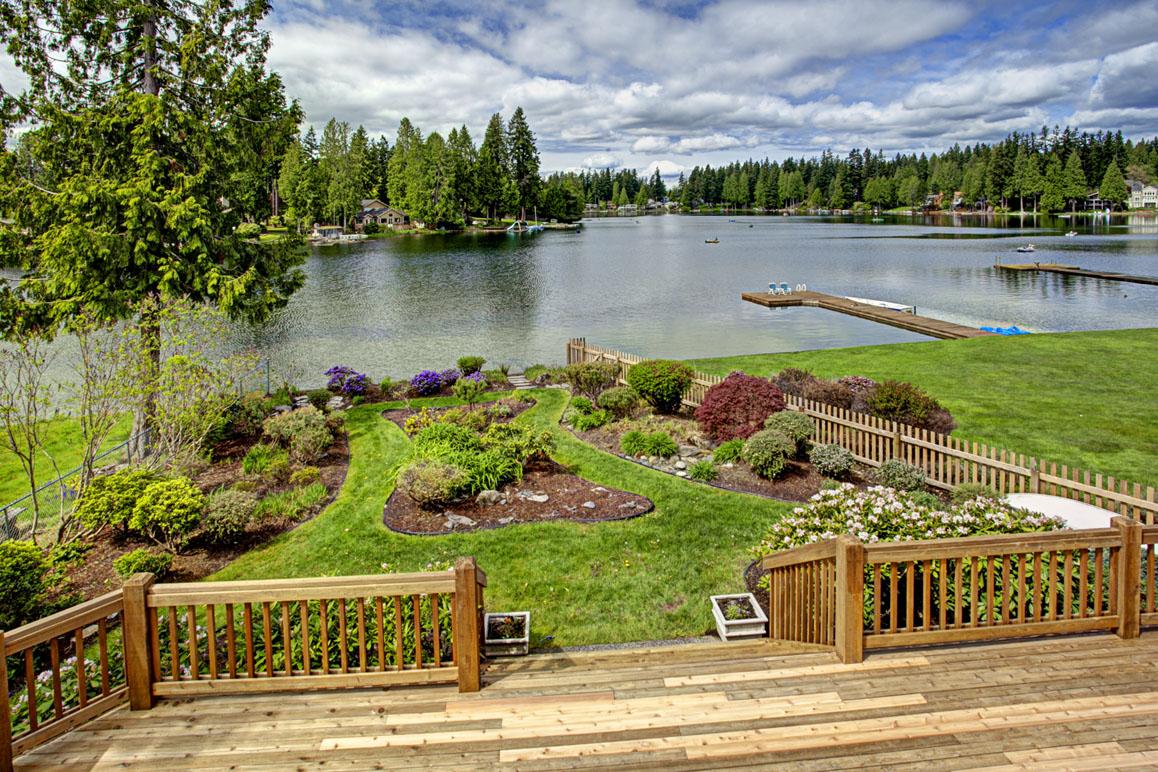 Pine Lake Waterfront - $1,070,000