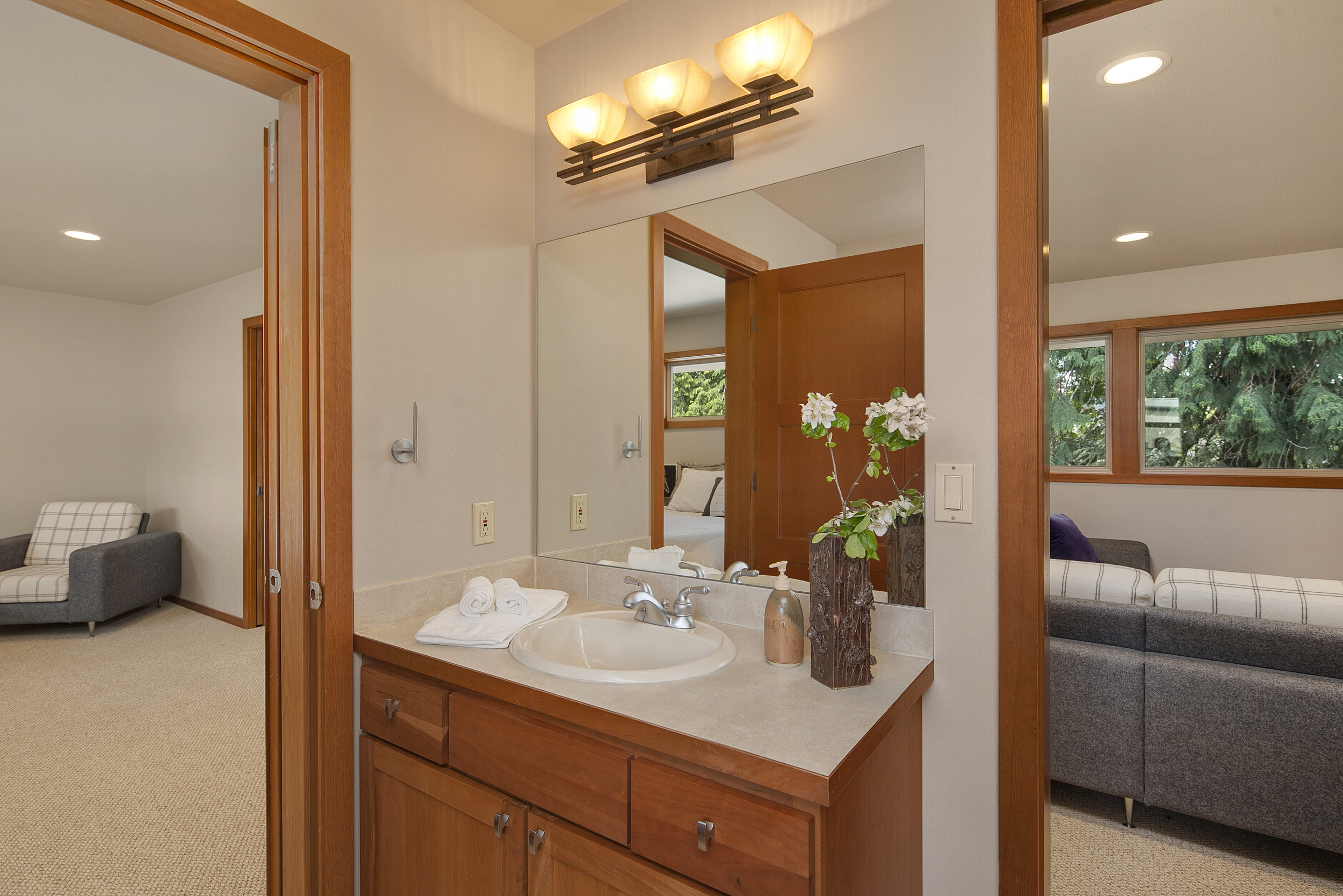suite up bath 8.jpg