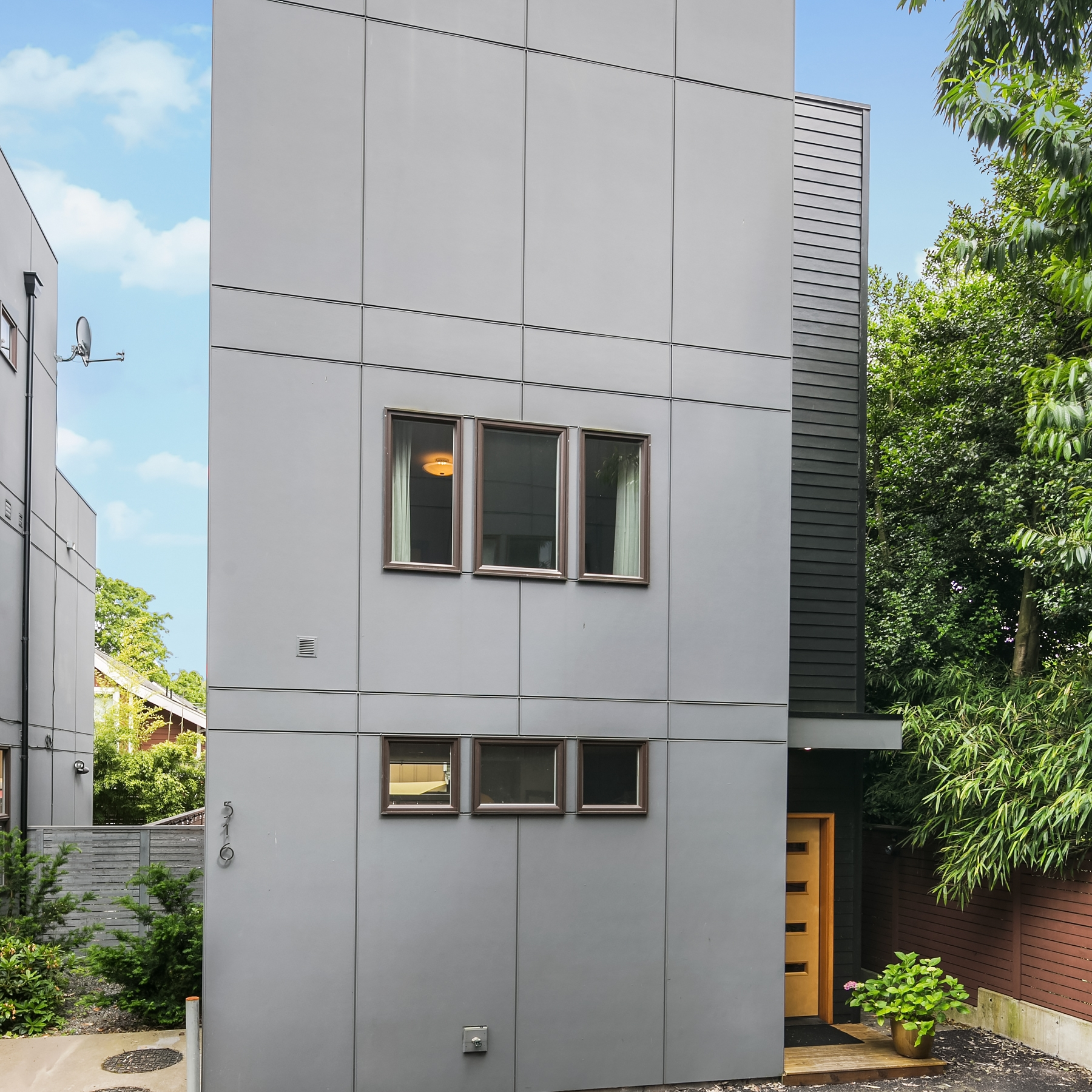 Seattle Townhome - $735,000
