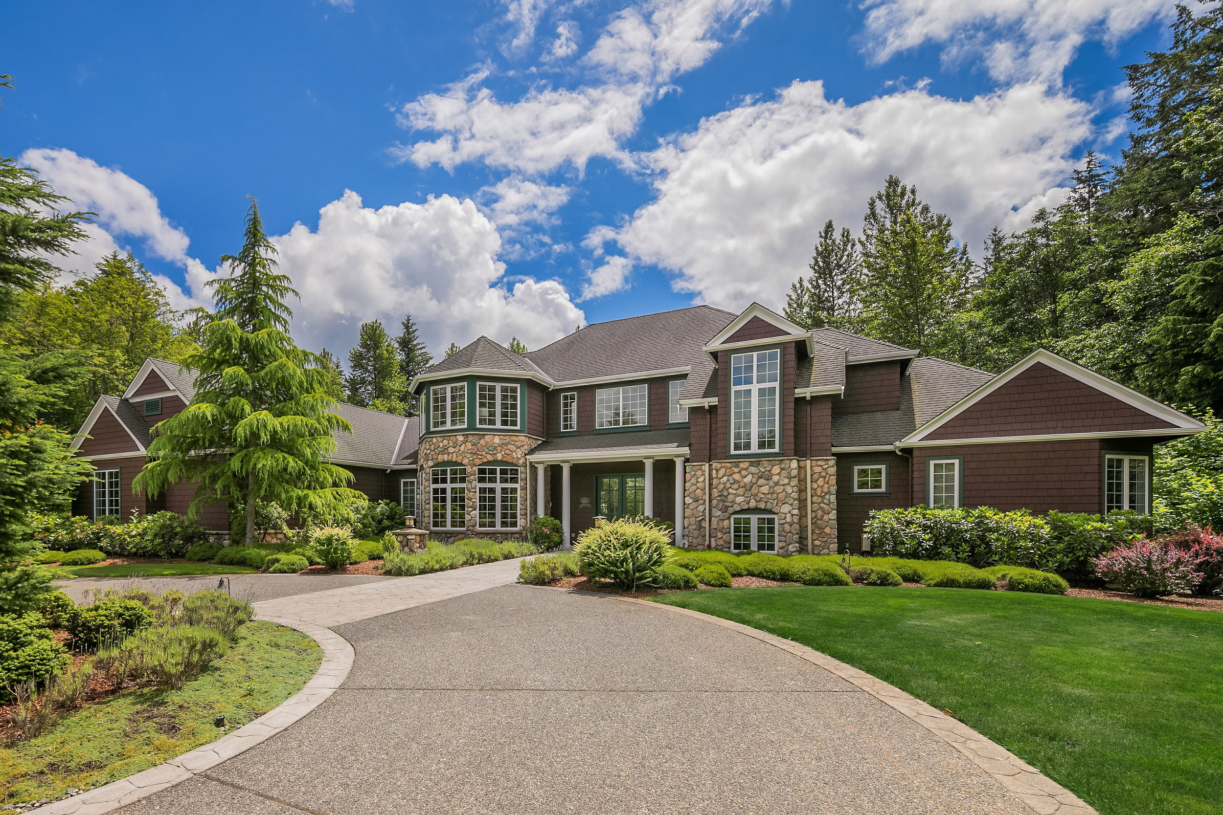 Mountainwood Estate - $1,586,000