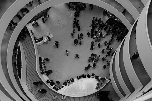 Guggenheim's spiral. . . .  #fujifilmxt2#bnw_captures #bnw_universe #insta_bw #bwmasters #igfotogram_bw #excellent_bnw#matiasjofre#igblacknwhite #blackandwhite_perfection #bnw_demand #bnwmood #bnw_planet #bnw_society #bnw_magazine#nyc#urban#streetshoot#matiasjofre#photographyislifee#photographyislife #photographysouls#photographyeveryday #photographylover#worldbestgram  #bnw_of_our_world #top_bnw