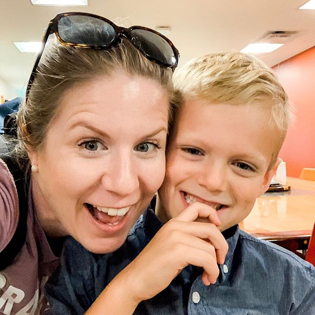 I survived my first field trip as a chaperone. I have absolutely no clue how these kindergarten teachers do it day in and day out. All I can say is...NOPE. 😂 But seriously...go thank a kindergarten teacher! . #schoolfieldtrip #herdingcats #curiouskids #mommysboy #kinders #exhustedmommy